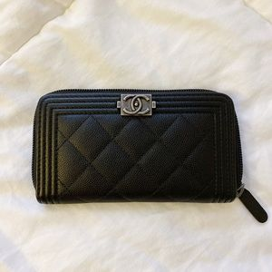 Boy Chanel Zipped Wallet in Black/Rhodium